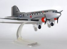 Douglas DC-3 / C-47 US Army Air Force Herpa Collectors Model Scale 1:100 E